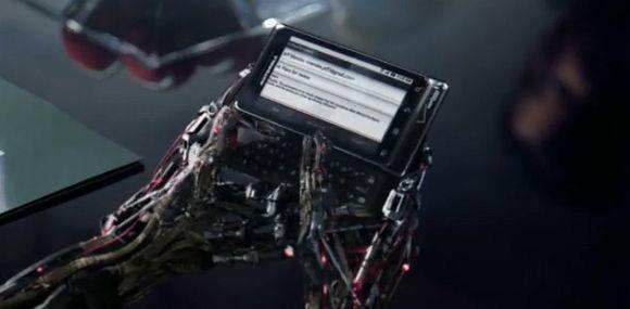 VIDEO: Motorola Droid 2 commercial