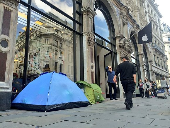iQueue: Fanboys already lining up to buy yet to be announced iPhone 6