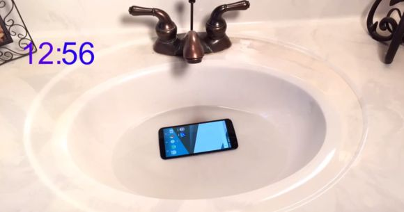 Nexus 6 survives being submerged under water for an hour