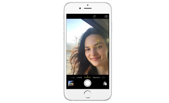 New iPhone to get front facing selfie flash?