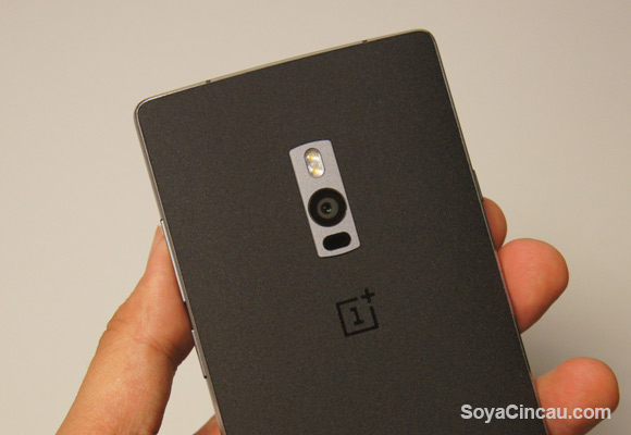 You can buy the OnePlus 2 outright from Maxis without a plan