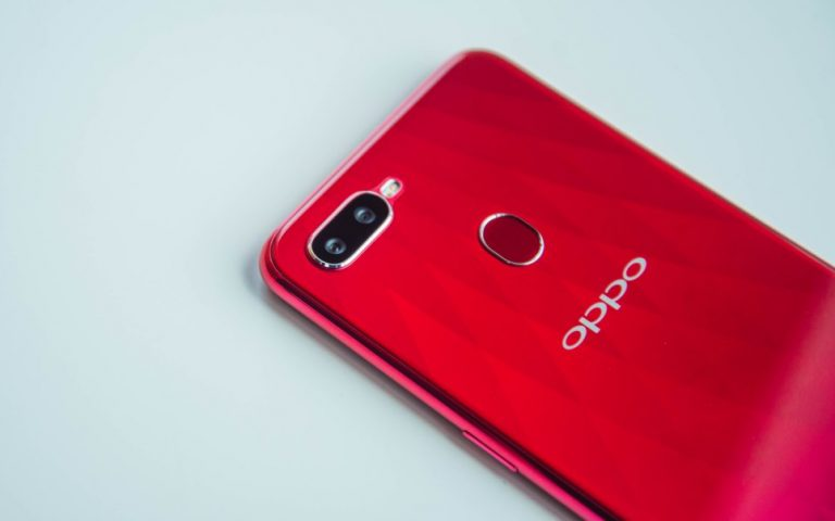The OPPO F9 with a tiny notch has arrived in Malaysia