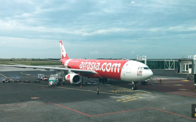"""Power bank """"explodes"""" on board, grounds AirAsia flight in Vietnam"""