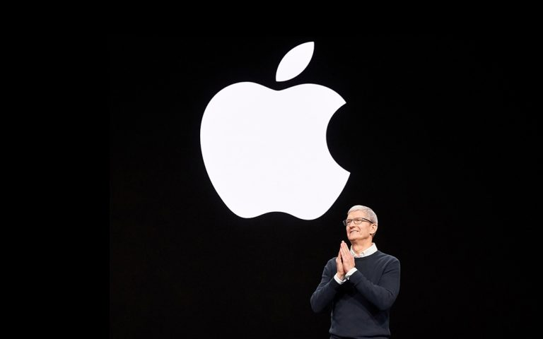 Apple issues official apology for letting contractors listen to Siri recordings