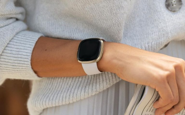 Fitbit Sense & Fitbit Versa 3: Finally, you'll be able to share chargers between models