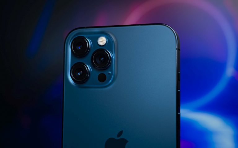 iOS 14.4 will warn you if your iPhone is using non-genuine camera components